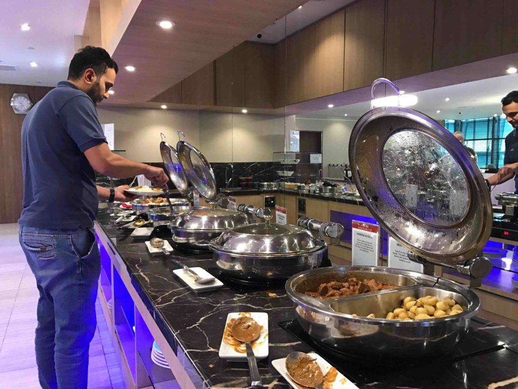 is the food in airport lounges free
